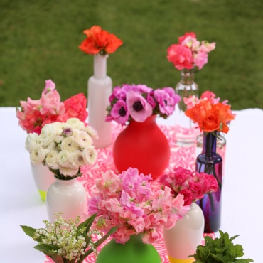 Eclectic vases and bright table runner!