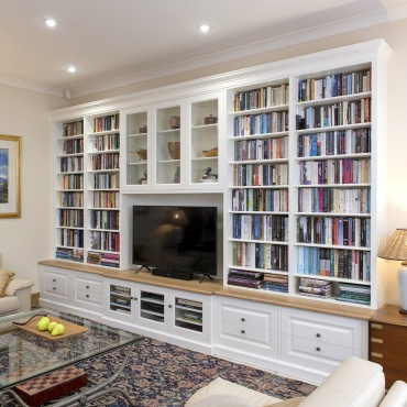 Built in Bookshelves and cabinets
